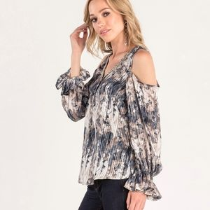 Miss Me floral cold shoulder top gray blue button